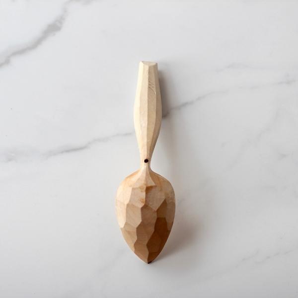 Sweet curvy eating spoon